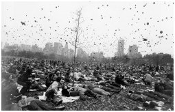 garry-winogrand-peace-demonstration-central-park-new-york-c-1970