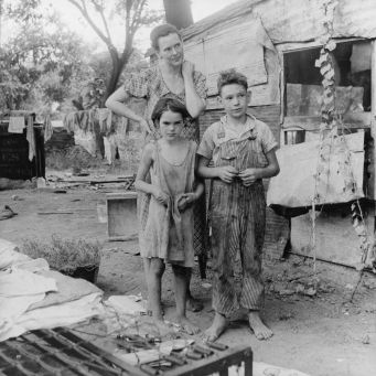 Poor mother and children, Oklahoma, 1936