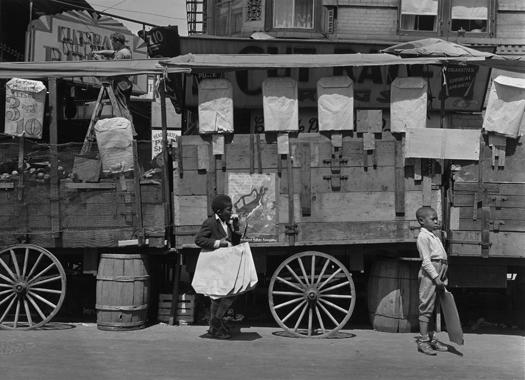 Aaron Siskind, Harlem, 1935