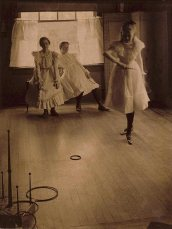 """Clarence Hudson White. """"The Ring Toss,"""" 1899"""