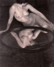 clarence-hudson-white-1905-via-wikimedia