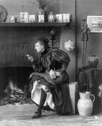 Frances Benjamin Johnston selfie, 1896