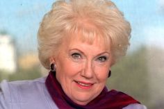 Denise Robertson, TV Presenter, Agony Aunt, 83